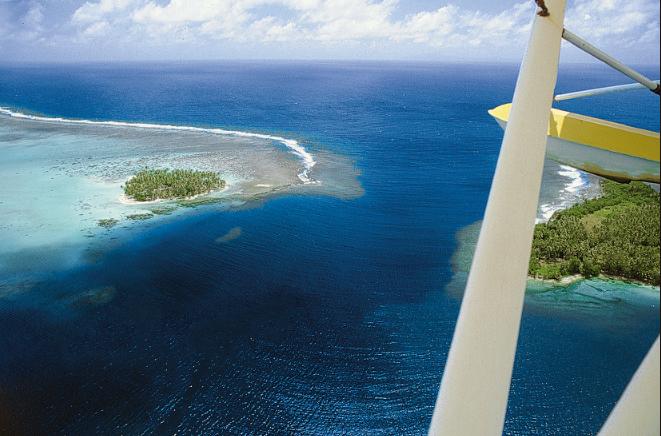 Le lagon de Raiatea et ses passes donnant accès à l'océan combleront les plongeurs les plus blasés.