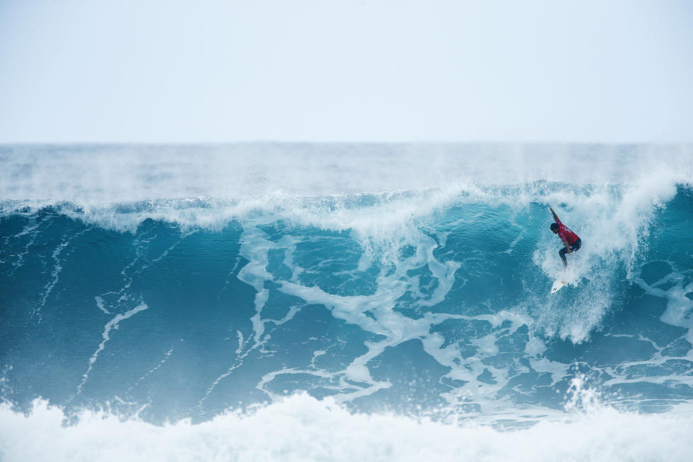 Michel Bourez a bien surfé lors des quarts, mais ce fut insuffisant contre Jordy Smith
