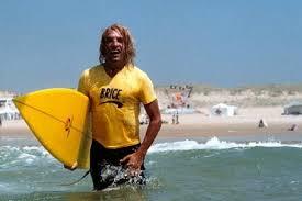 Le surf de Brice de Nice vendu au profit des sinistrés de Cannes