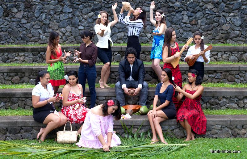 Toute la promo de troisième année de la licence information et communication de l'ISEPP qui organise le premier Young Tahitian Leaders