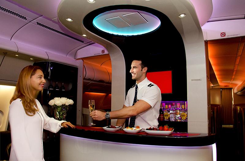 Ce tour du monde en avion doit se dérouler en 22 jours, à partir du 19 novembre, avec un minimum de 160 et un maximum de 235 personnes à bord.