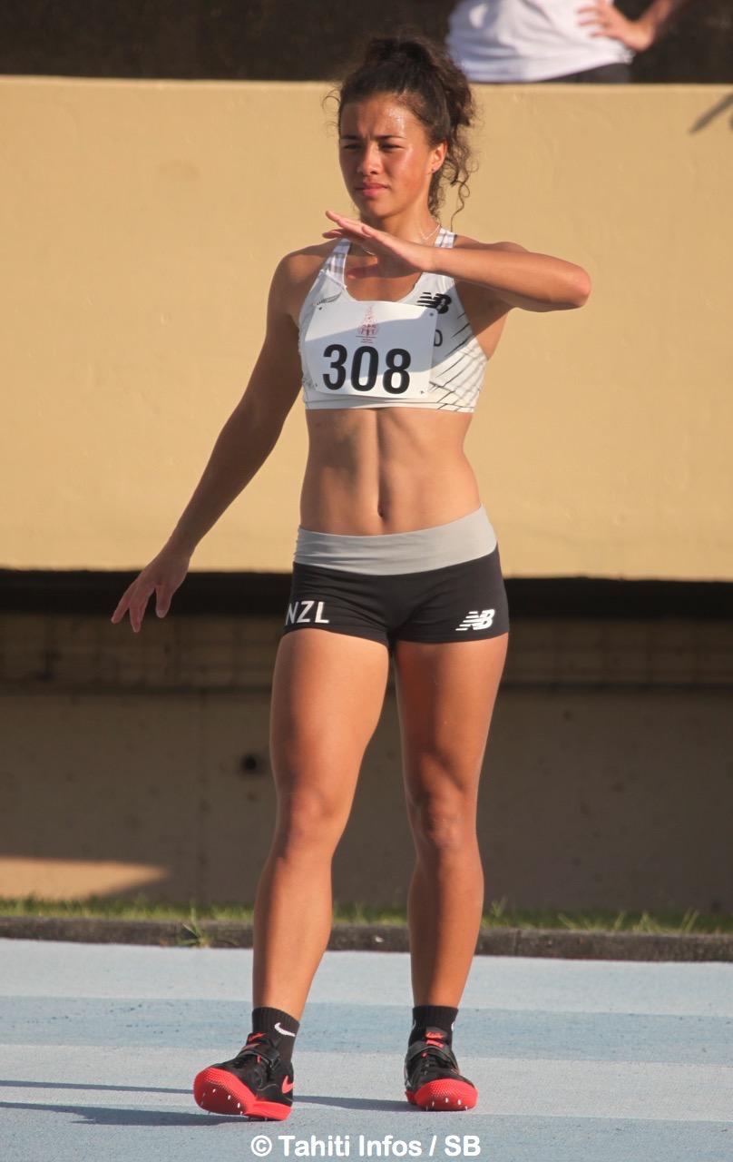 Briana Stephenson médaille d'or en saut en hauteur, en longueur et en sprint sur 100M