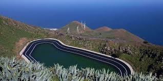 L'île d'El Hierro aux Canaries bataille pour une énergie 100% verte à base de vent et d'eau