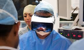 GB: un chirurgien oncologue opère en direct et en réalité virtuelle