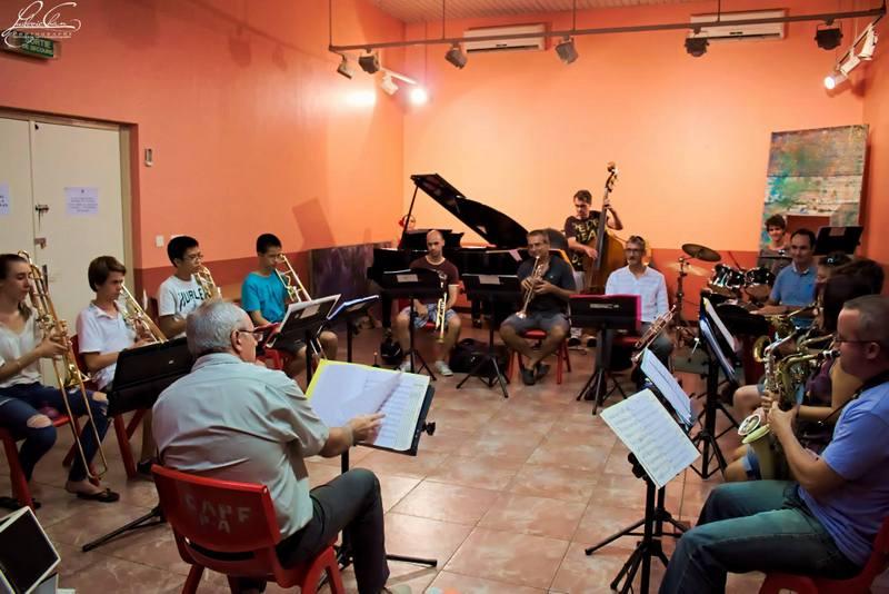Le Big Band mélangera adultes et ados, le plus jeune membre étant un tromboniste de 12 ans