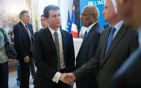 M.Valls presse les Calédoniens à s'entendre sur leur projet politique, avant le référendum de 2018