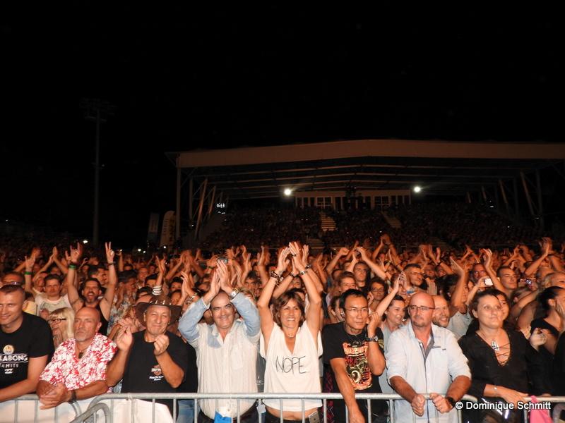 L'aire de spectacle de To'atā a littéralement vibré rock 'n' roll, provoquant la liesse des 5 000 personnes présentes pour l'événement.