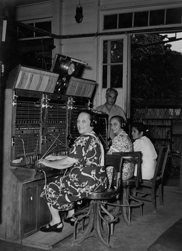 Des opératrices du central téléphonique en 1950