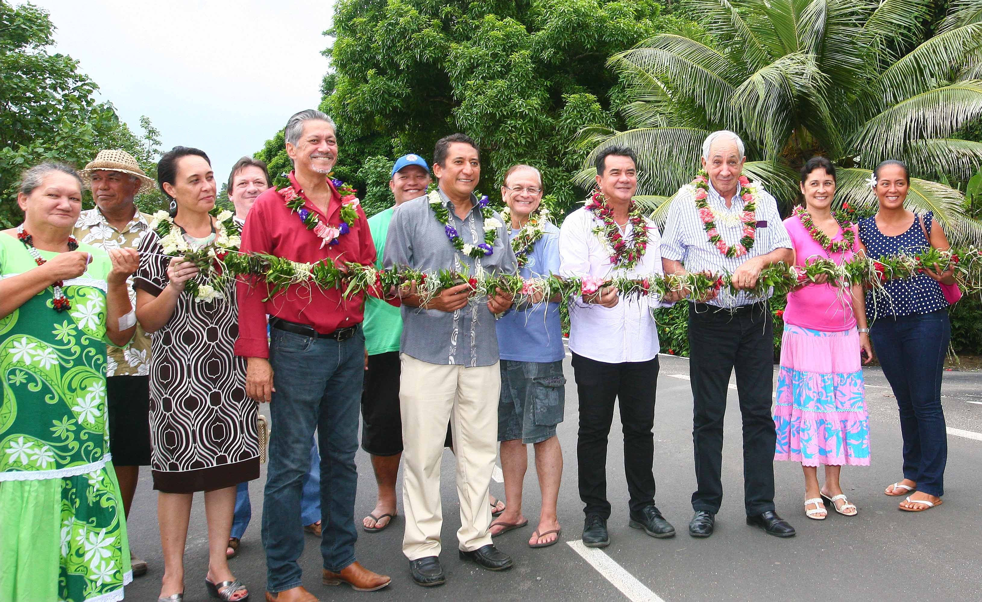 Inauguration d'une portion de route rénovée à Moorea