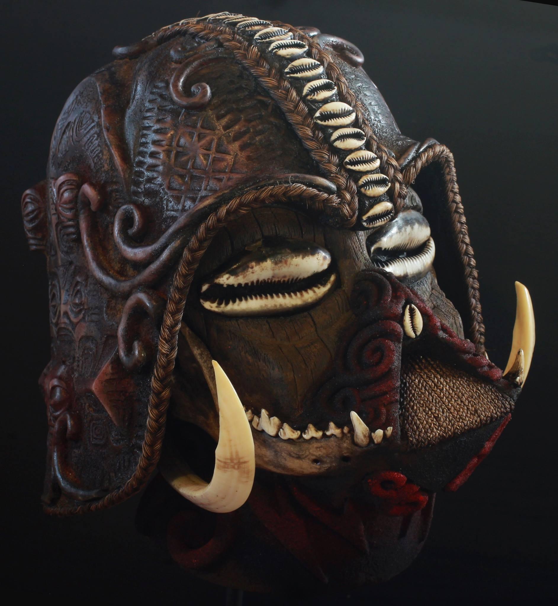 """Le """"Marquesian Vador"""" vendu à l'entreprise Ripley's, fruit du talent de Tahe."""
