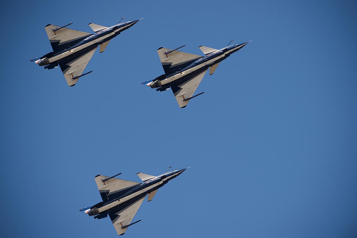 """Pékin dément avoir intercepté de façon """"dangereuse"""" un avion américain en mer de Chine"""