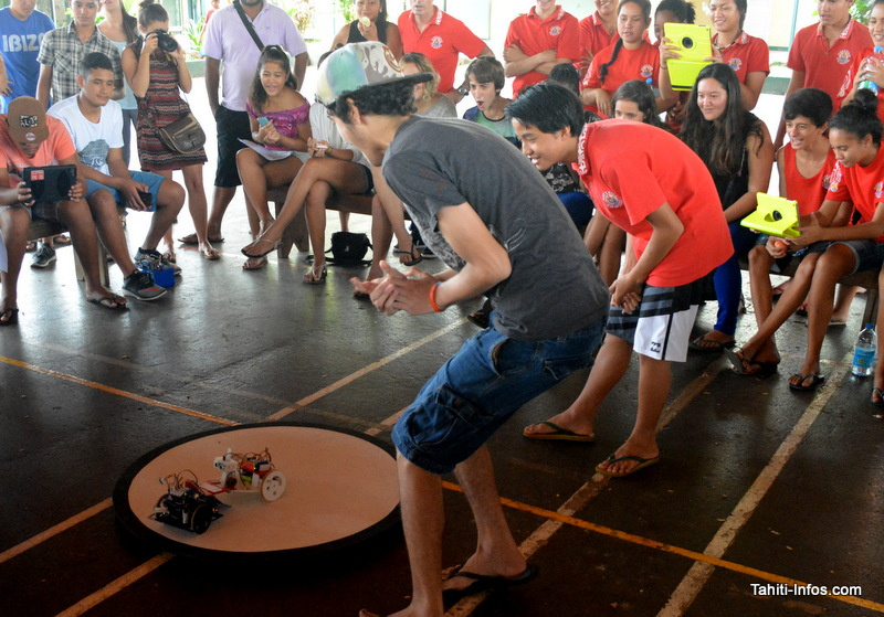 Deux équipes s'affrontent à l'épreuve finale : le Sumo