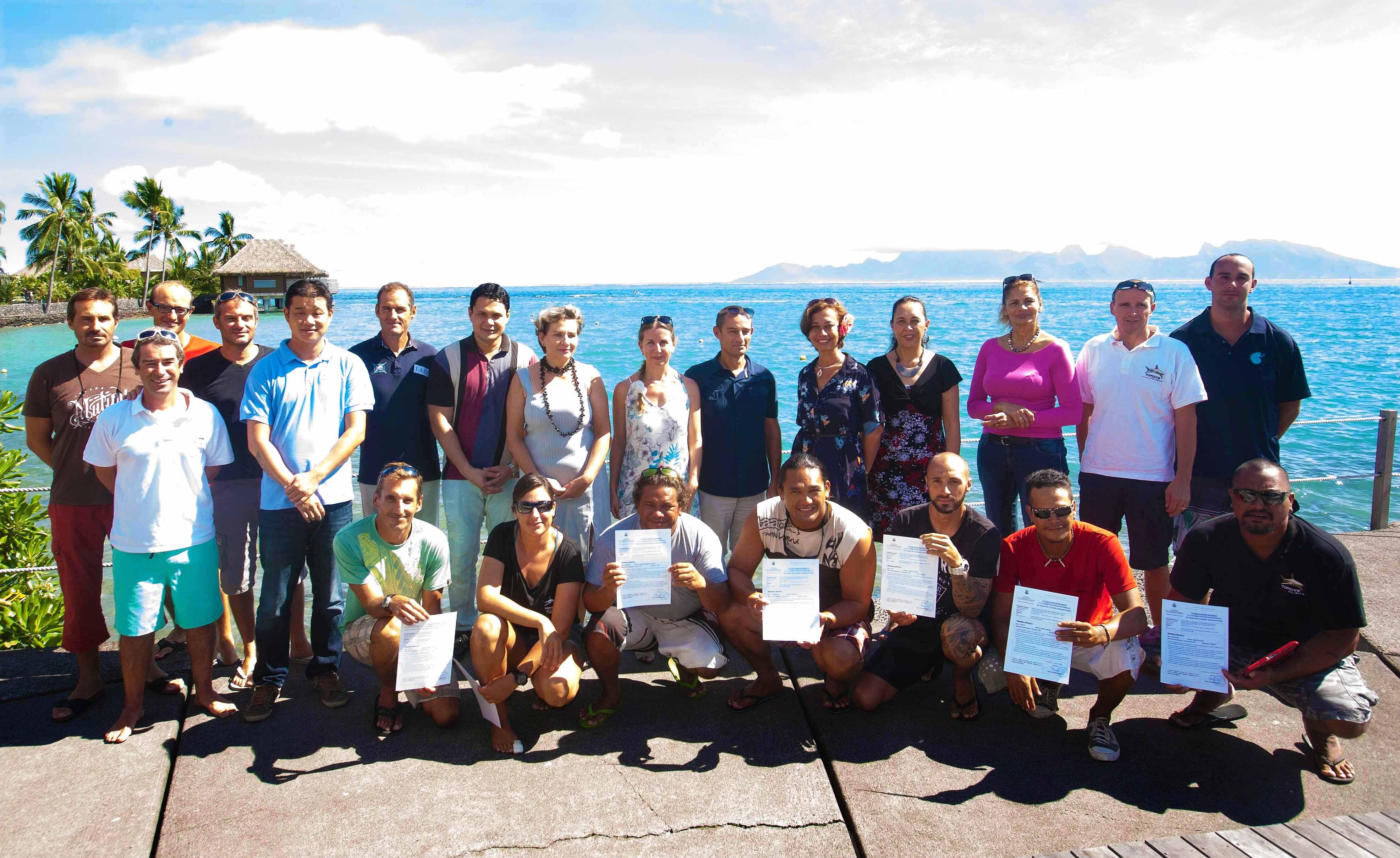 Remise des attestations de réussite à la formation professionnelle de guide de plongée subaquatique