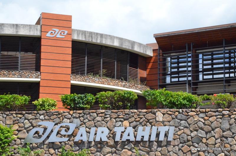 Air Tahiti : un accord signé avec les cadres de l'entreprise et les mécaniciens du centre industriel