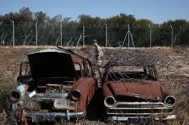 Voitures abandonnées depuis 40 ans cherchent propriétaires à Chypre