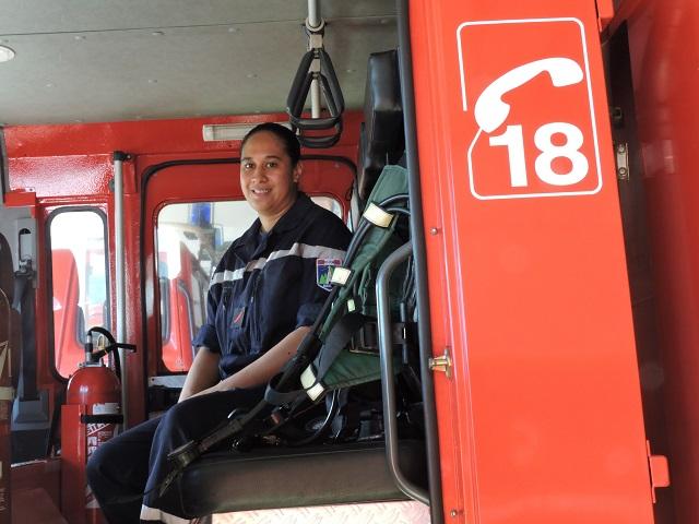 Tautiare Teipoarii est pompier volontaire depuis juillet 2014 à Mahina.