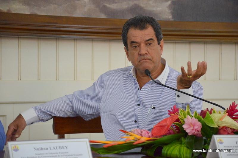 Edouard Fritch devant la presse jeudi matin à la présidence.