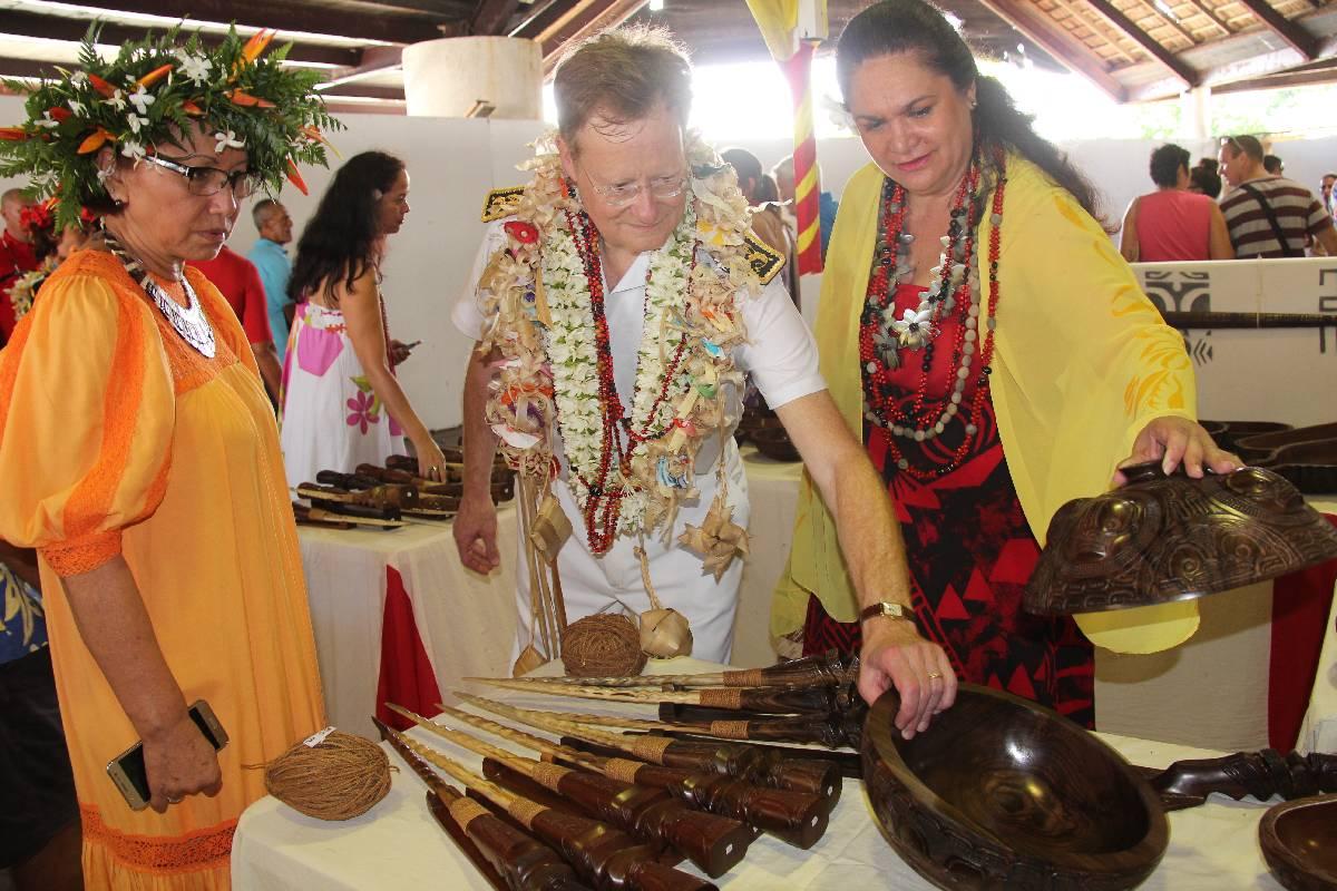 Le nouveau haut-commissaire, René Bibal a pu découvrir le savoir-faire des marquisiens