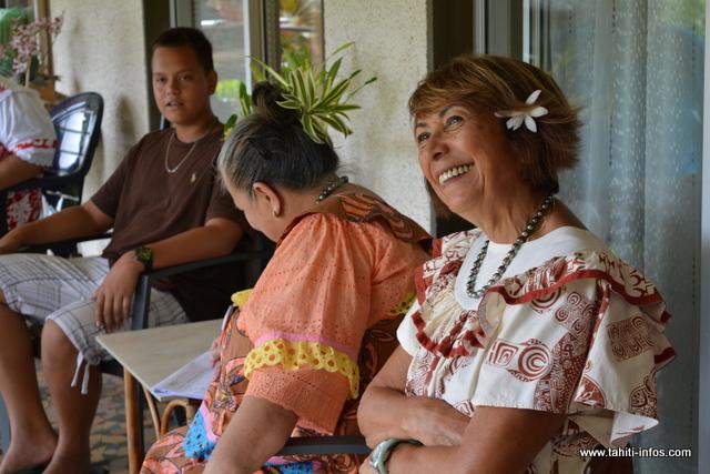 Marie Michel a 75 ans, elle a une fille, trois petits-enfants et un arrière-petit-enfant. Elle vit à Pirae depuis 1978. Elle s'y est installée avec son mari, décédé en 2002.