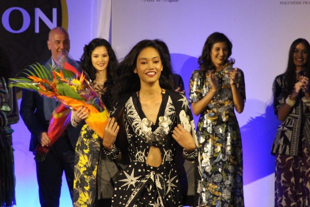 Heitiarii Wan remporte le concours de mannequins de la Tahiti Fashion Week