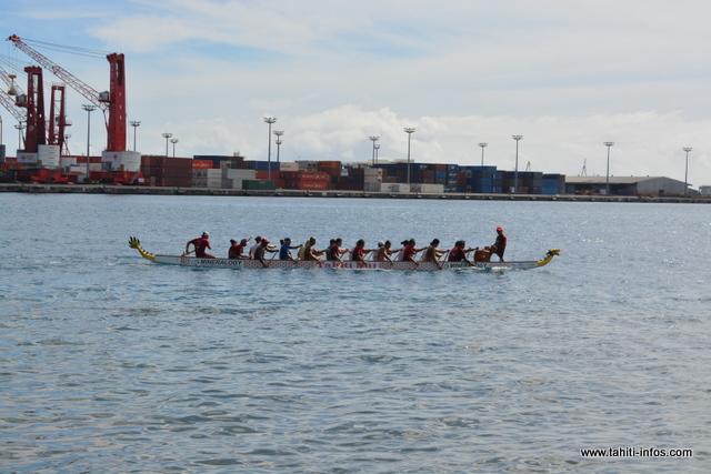Sur le plan d'eau, une initiation au Dragon Boat a été proposée au public désireux de découvrir le sport national chinois