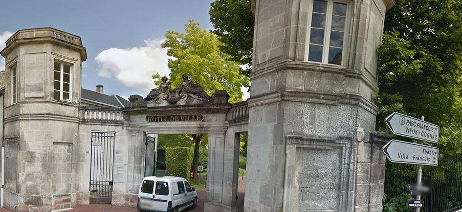 Mairie de Cognac Google Street view