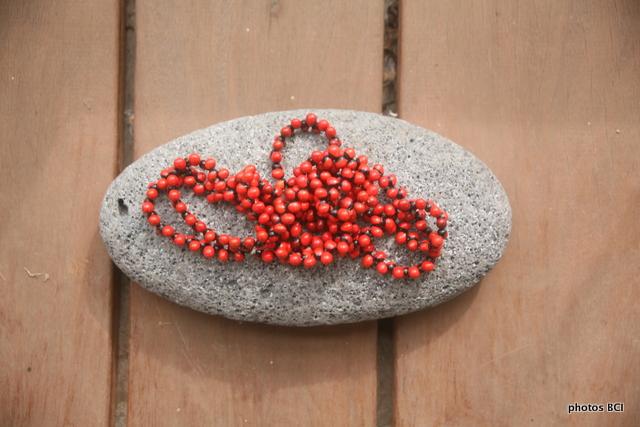Les perles colorées de Hiva Oa
