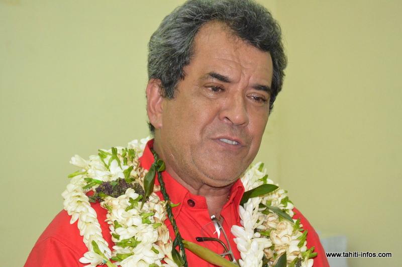 Edouard Fritch, samedi lors de l'inauguration de la permanence du Tapura Huiraatira, rue Colette à Papeete.