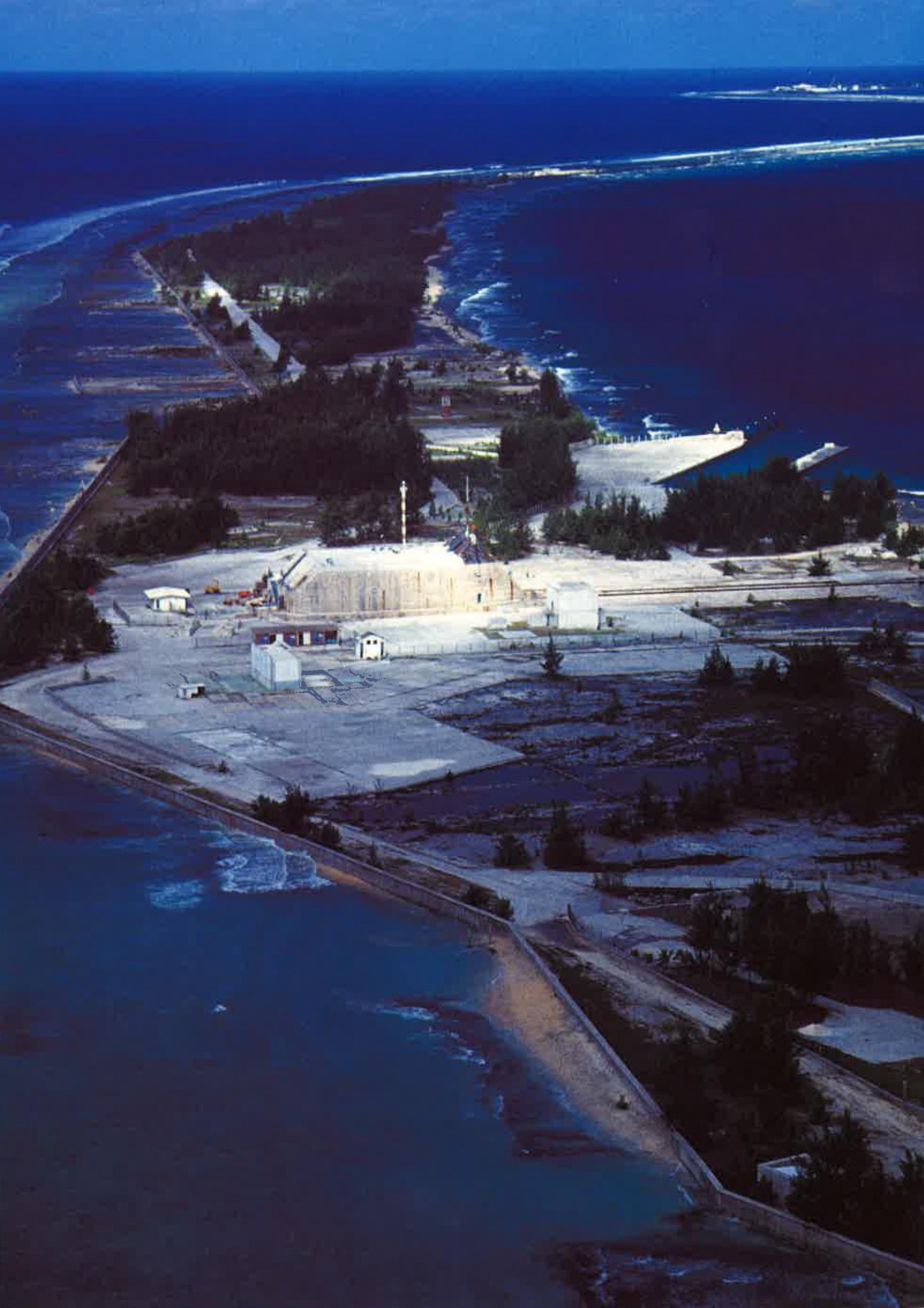 Le poste de commandement (PC) de tir Anémône, à proximité de la base-vie à Moruroa.