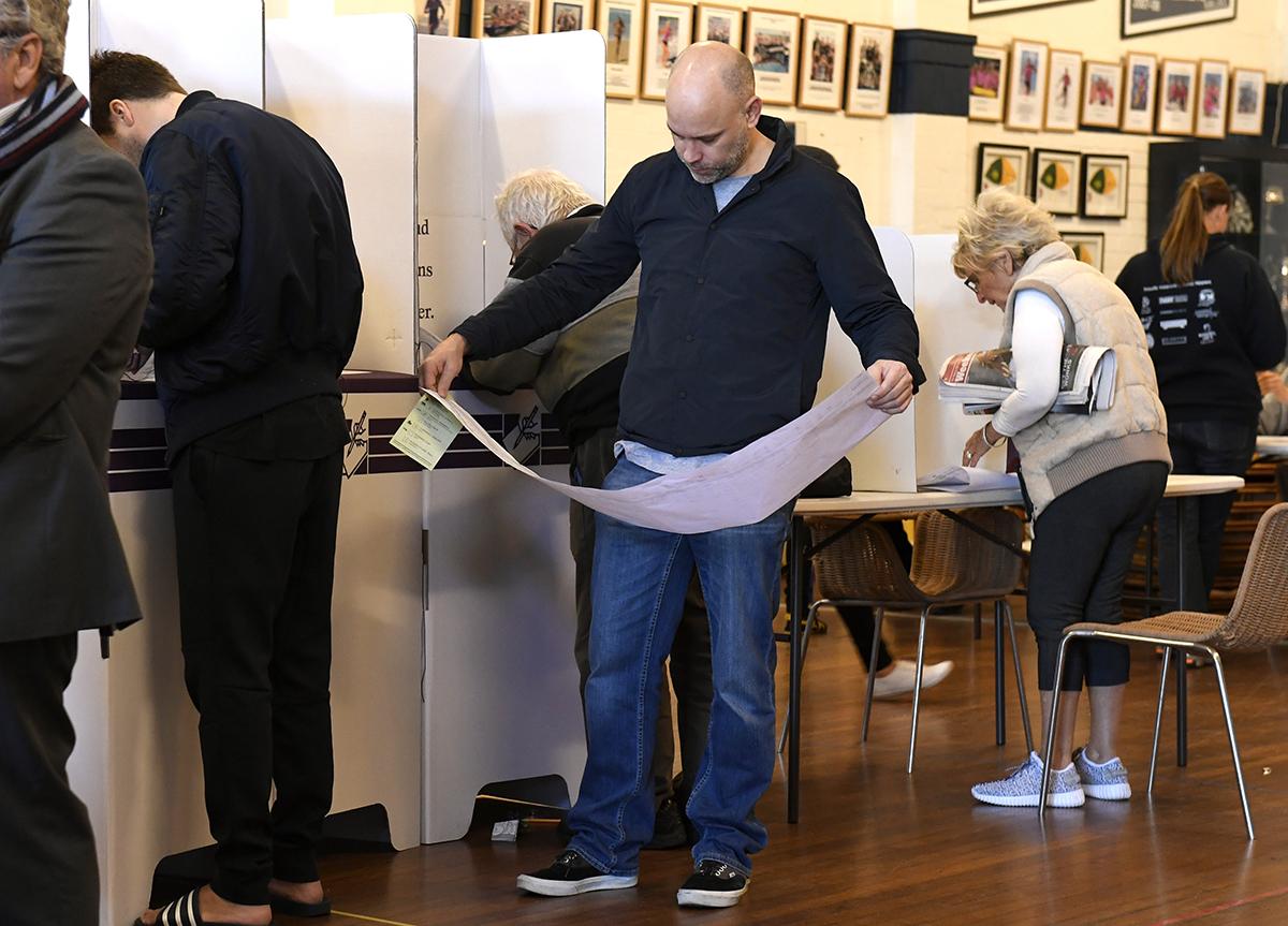 Les incertitudes politiques menacent la note de l'Australie