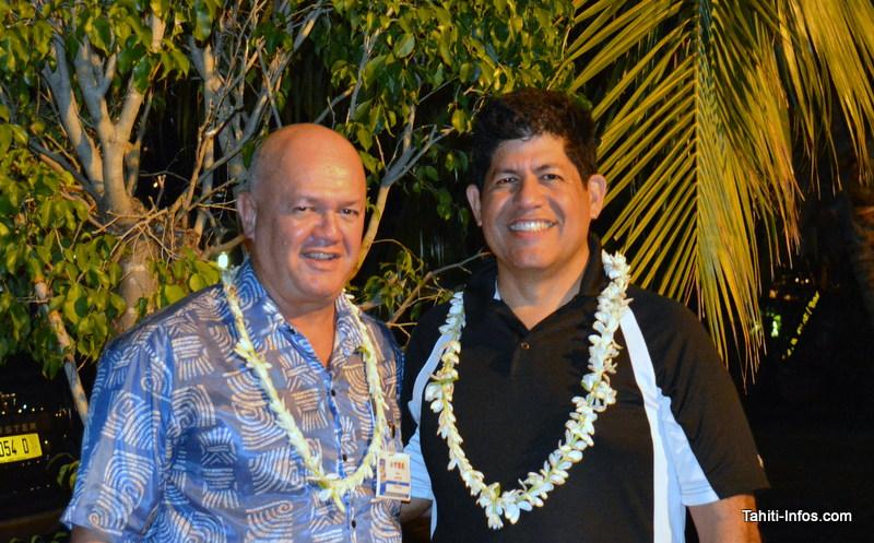 """Adolfo Montenegro à droite, p-dg de Bluesky Pacific Group, accompagné de Maui Sanford, en charge du """"business development"""" de Moana Communications"""
