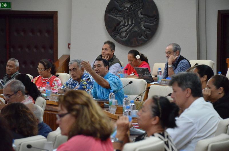 Dès l'ouverture de la séance, Antony Géros a demandé à modifier l'ordre du jour, ce qui a été refusé par la majorité