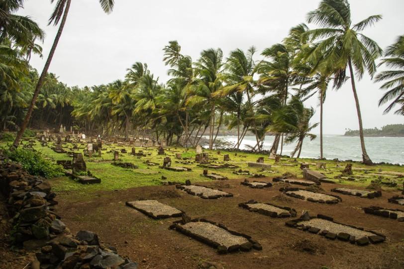 C'est peut-être dans ce petit cimetière marin du bagne de Cayenne que repose la dépouille de Léonce Rorique.