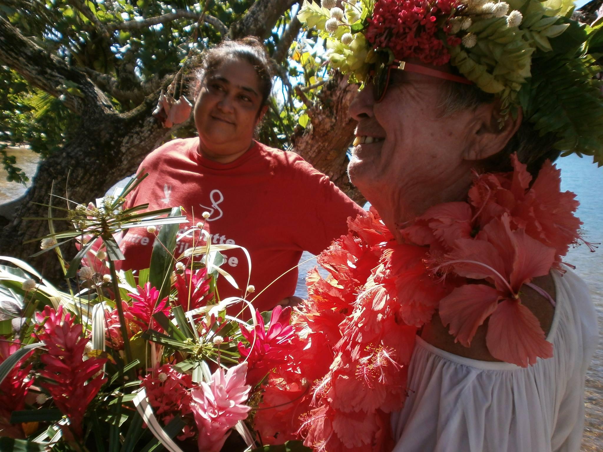 A 70 ans, elle part de France et rejoint Tahiti sur un voilier de 6,5m