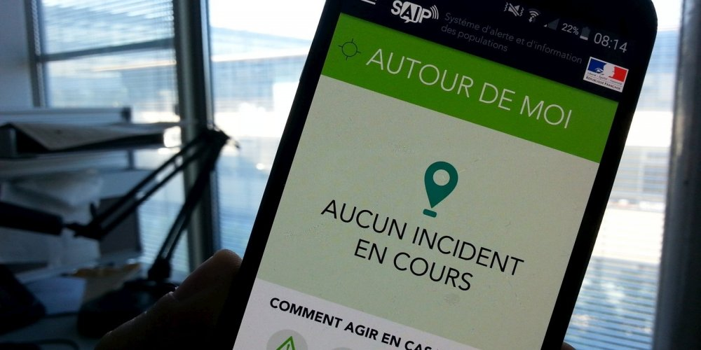 """L'appli """"alerte attentat"""" a été trop lente jeudi soir, l'Intérieur demande des mesures"""