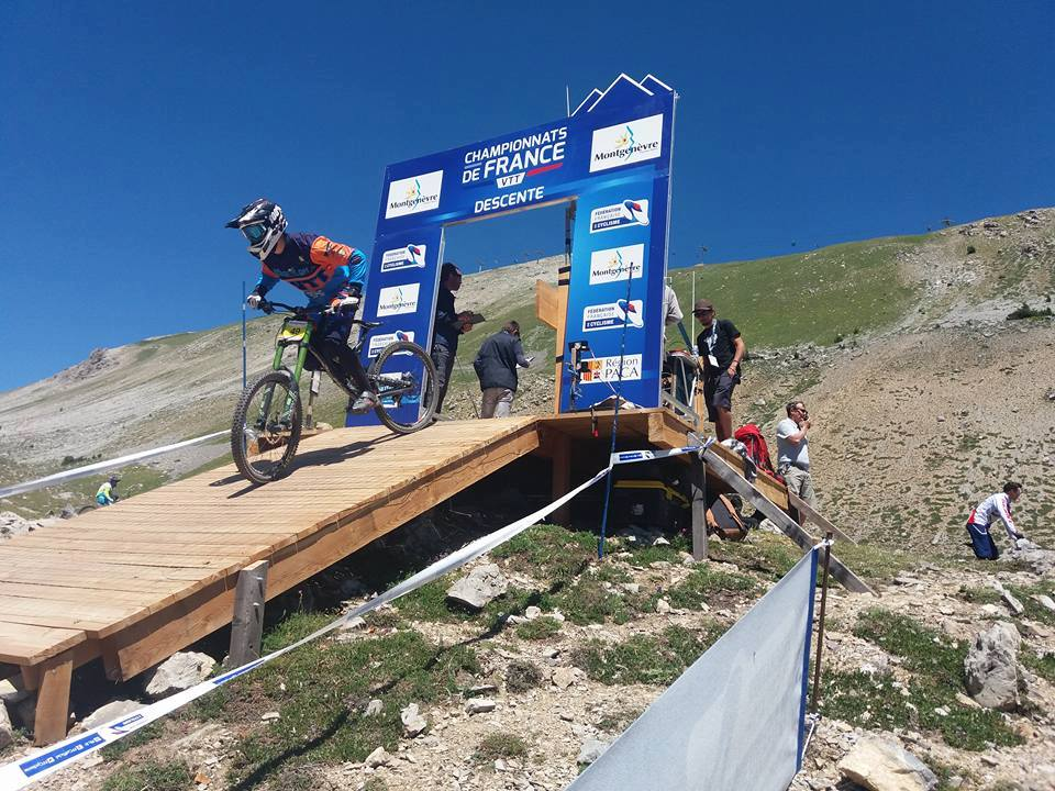 VTT « Chpts de France de descente » : Une place honorable pour Temarii Buillard