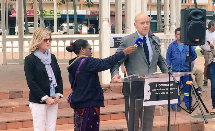 """Attentat: à Nouméa, Juppé appelle """"à serrer les rangs"""" contre """"la haine"""""""