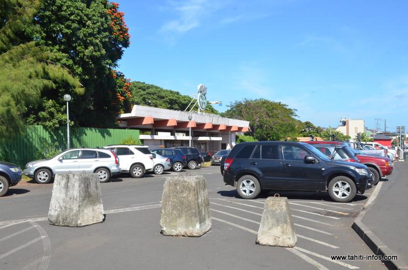 Les 67 places du parking de l'ancien CHT de Mamao seront payantes à partir du 10 août prochain.