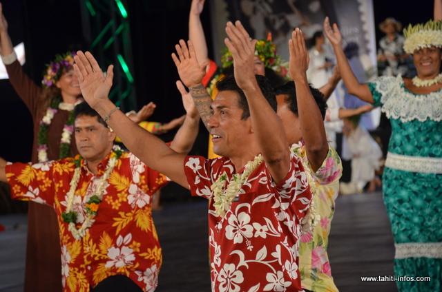 Les anciens danseurs et danseuses de Gilles Hollande ont donné une prestation en hommage à leur défunt mentor