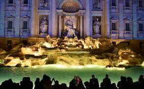 Rome: coûteux bain de minuit dans la fontaine de Trevi pour des touristes américains
