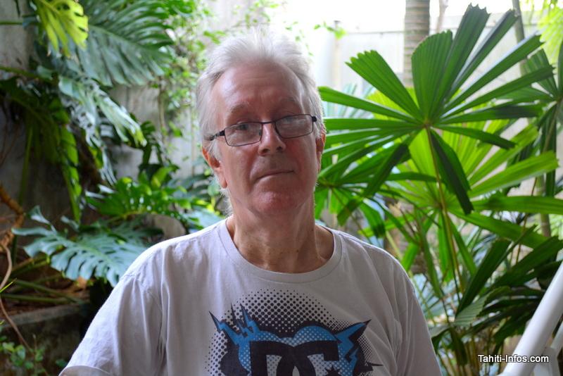 Trevor Coote est le scientifique qui se charge d'étudier les escargots endémiques polynésiens. Il va bientôt recevoir la doctorante de l'université du Michigan Cindy Bick.