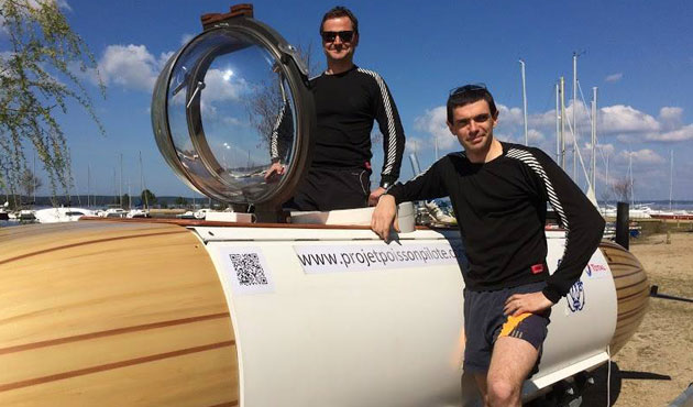 Deux ingénieurs français tentent la traversée de la Manche dans un sous-marin à pédales