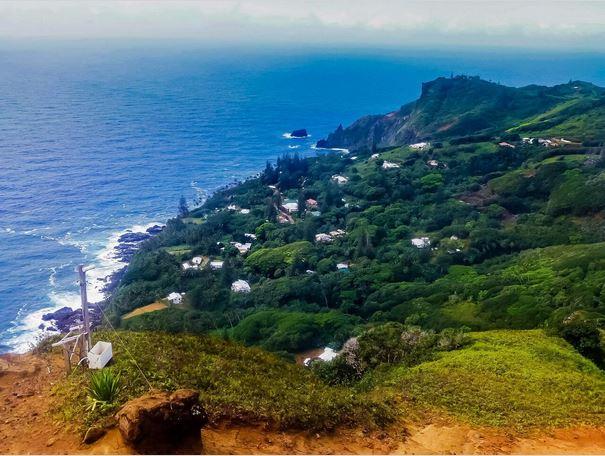 La petite bourgade d'Adamstown, à Pitcairn, où Joshua Hill régna sans partage de 1832 à 1837.