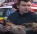 Roumanie : un pompier acclamé en héros après avoir fait du bouche à bouche à un chien