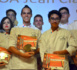 http://www.tahiti-infos.com/Concours-du-meilleur-cuisinier-de-Polynesie-Jean-Claude-Tekuataoa-et-Jason-Ho-remportent-le-1er-prix_a159210.html