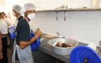 Une usine d'huile vierge  de coco à Niau