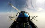 Une escadre aérienne chinoise survole un détroit entre des îles japonaises