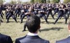 Un haka des élèves de l'administration pénitentiaire pour Valls (vidéo)