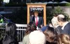 Un automate prédicateur caricature Trump dans les rues de New York