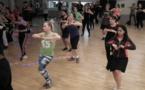 La danse tahitienne séduit les sportifs à Paris